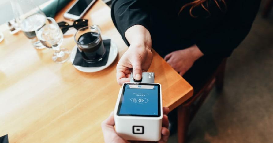 Mobiilimakse Technology ja eelised Mobile Payments